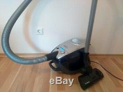 Bosch ProSilence PLUS Relaxx Staubsauger BGS5ALL1 Beutellos Parkett Bürste Hand