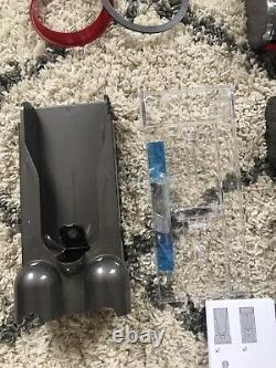 DYSON Cyclone V10 Absolute Cordless Vaccum All Parts And Box Temperamental