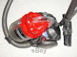 Dyson DC29 Allergy Motor, HEPA Filter und die kleinen Düsen sind neu