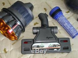 Dyson DC37 Musclehead gereinigt und voll funktionsfähig