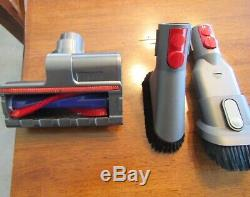 Dyson V10 Cyclone Absolute cordless Vacuum with motorized accessory with 2 tools