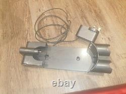 Dyson V7 Total Clean vacuum Lightly Used, Needs battery