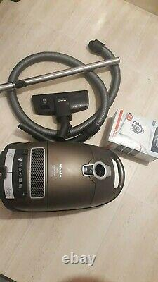 Miele S8330 2200W Vacuum cleaner, Sanitized RRP £1299