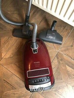 Miele c3 cat and dog vacuum cleaner-Used, with brand new 3 bags + Hepa Filter