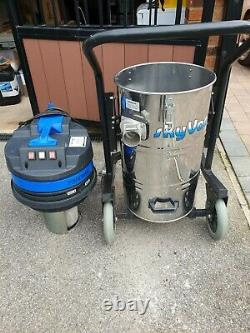 SKYVAC Industrial 85Wet & Dry Gutter Vacuum System With 8 Elite Pole Set Used