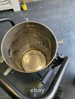 Skyvac gutter vacuum