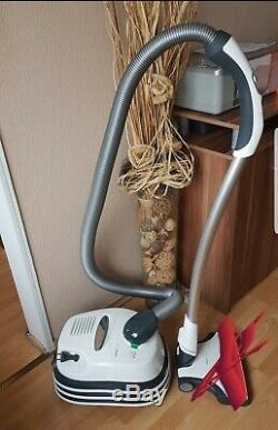 Vorwerk Tiger 300 Grundgerät mit Schlauch und Rohr ohne Elektrobürste
